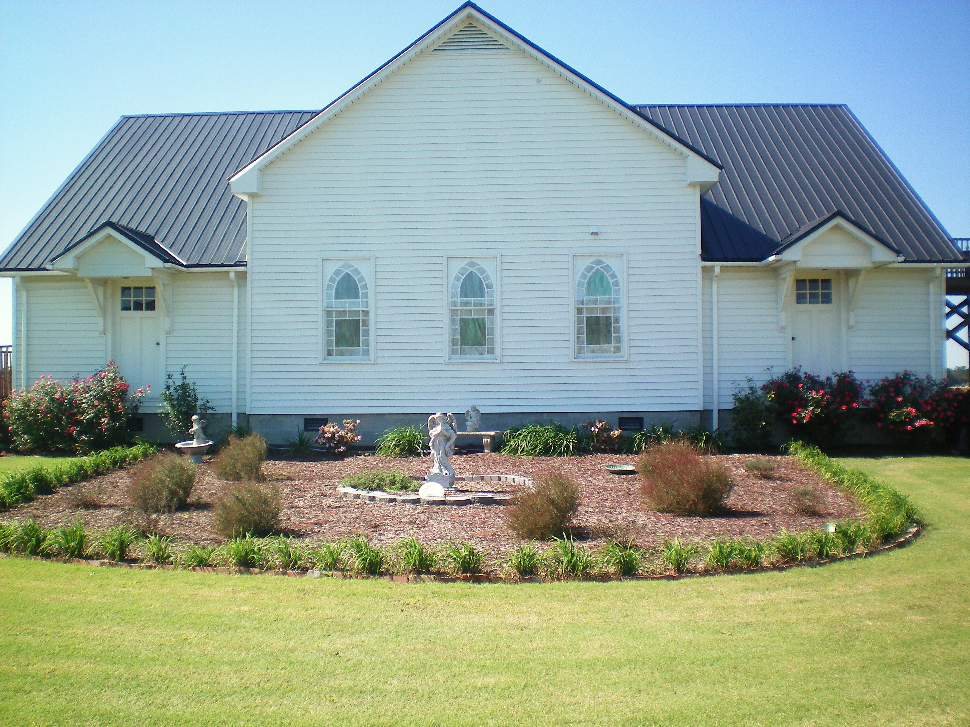 Heritage Hall is an event venue at Hamstead Acres